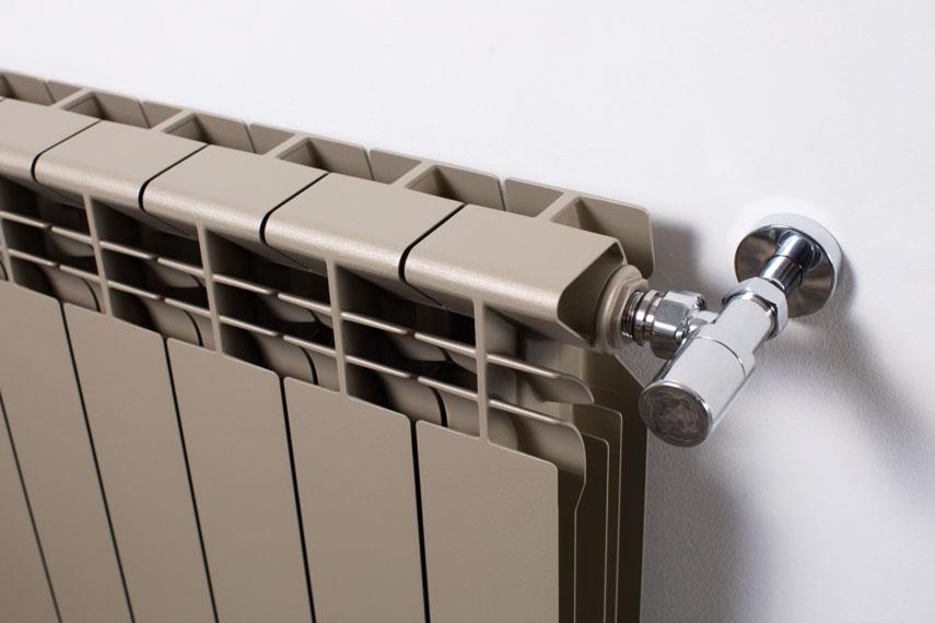Calorifero tradizionale in alluminio helyos orizzontali for Helios termocamini scheda tecnica